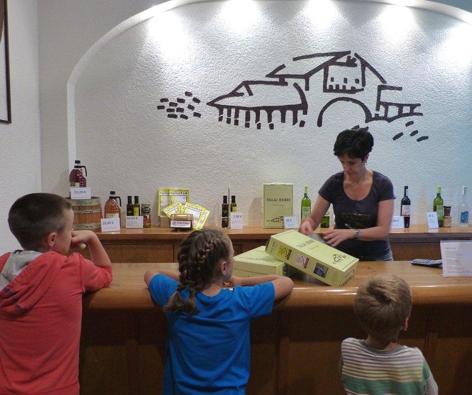 txakoli-talai-berri-experiencia-gastronomica-zarautz-Euskadi-país-vasco-bekerreke